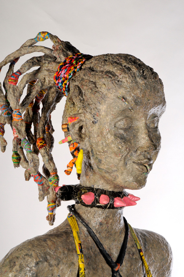 Kitty-Papier-mâché-Sculpture-Head